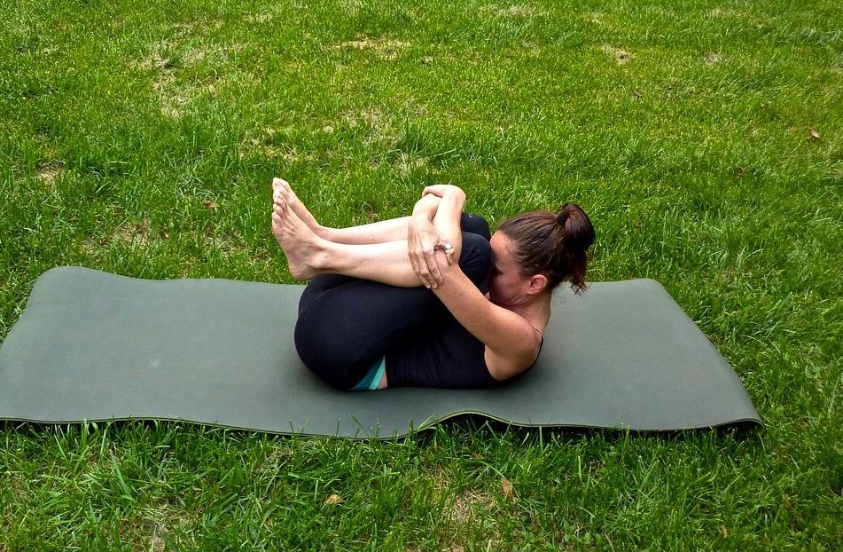 Addominali tonici in 10 minuti: gli esercizi per eliminare la pancia