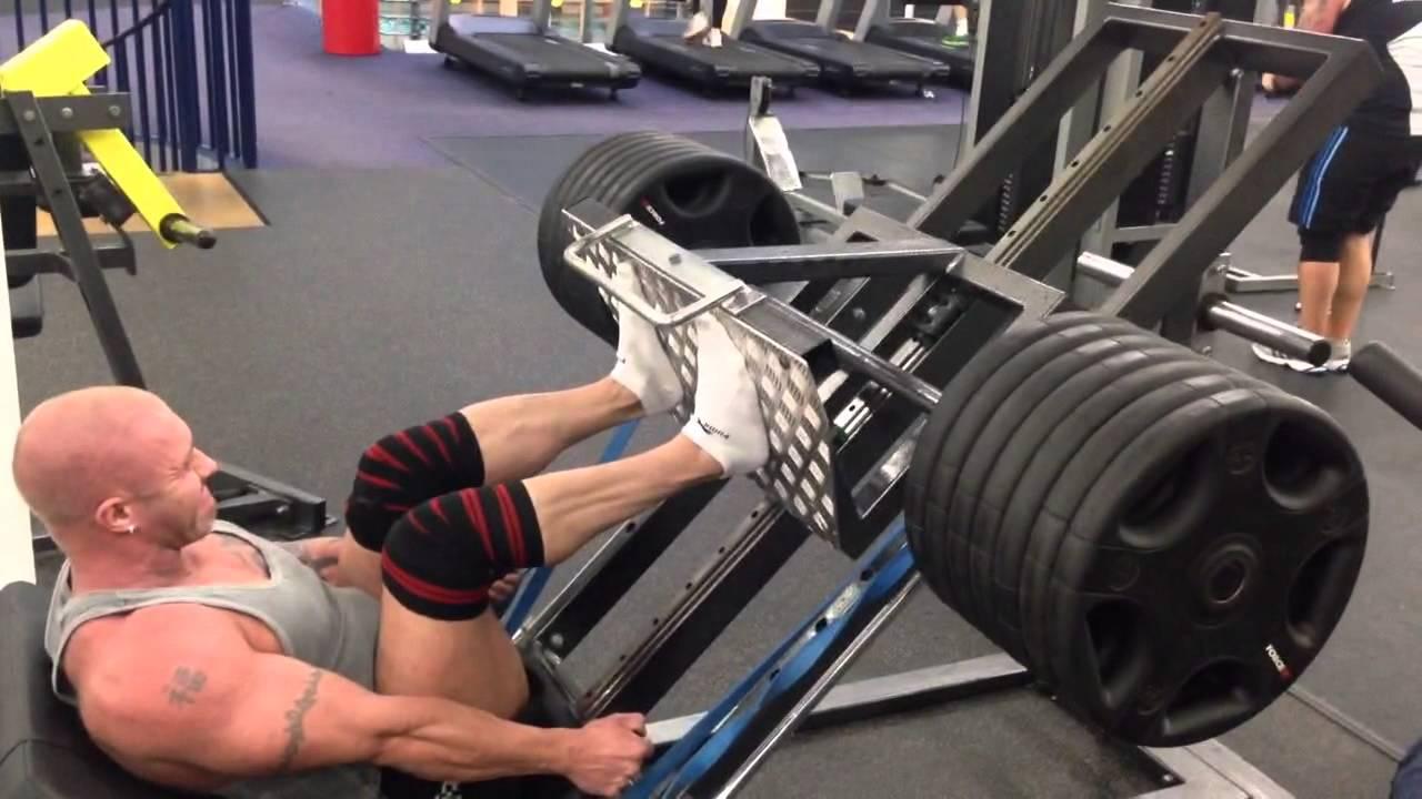 Pressa palestra: esercizi differenti dallo squat.